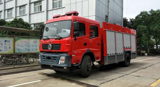 东风6吨水罐消防车